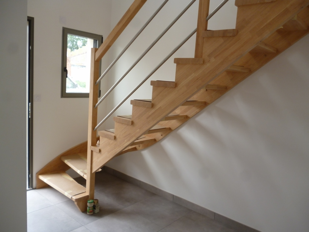 Styl'escalier : Gamme Création escalier hévéa avec crémaillère décalé des marches de 10mm
