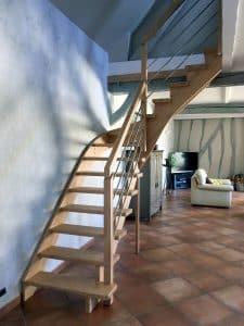 Styl'escalier : Gamme Création escalier hévéa avec crémaillère décalé des marches de 120mm