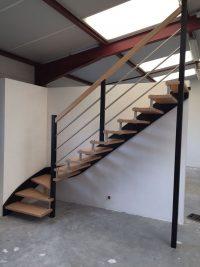 Styl'escalier : Gamme Création Escalier hevea avec rampe Inox, sans limon et teinte be color
